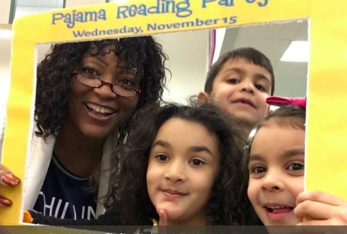 Rhonda Jenkins with readers at Kendall